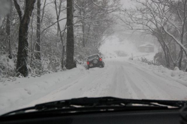 雪道 立ち往生