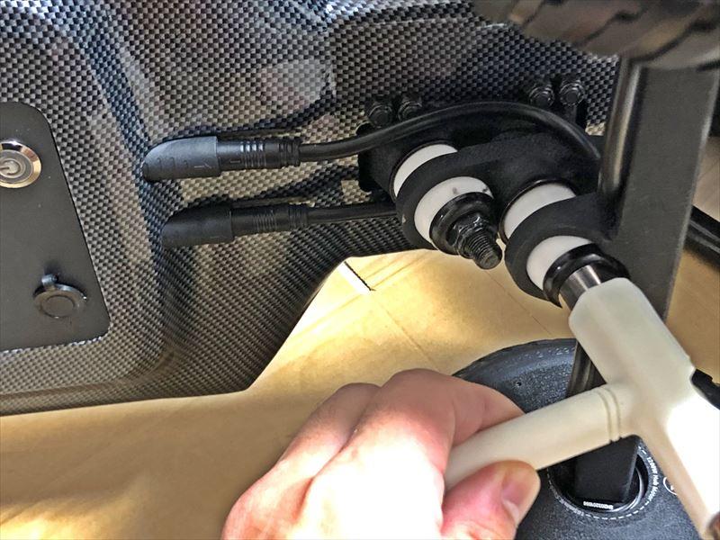 電動スケボー Maxfind FF PLUS ダブルキングピントラックの調整